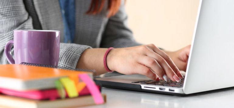 Ilmoittaudu-Hiiden-Opiston-kursseille-netissä